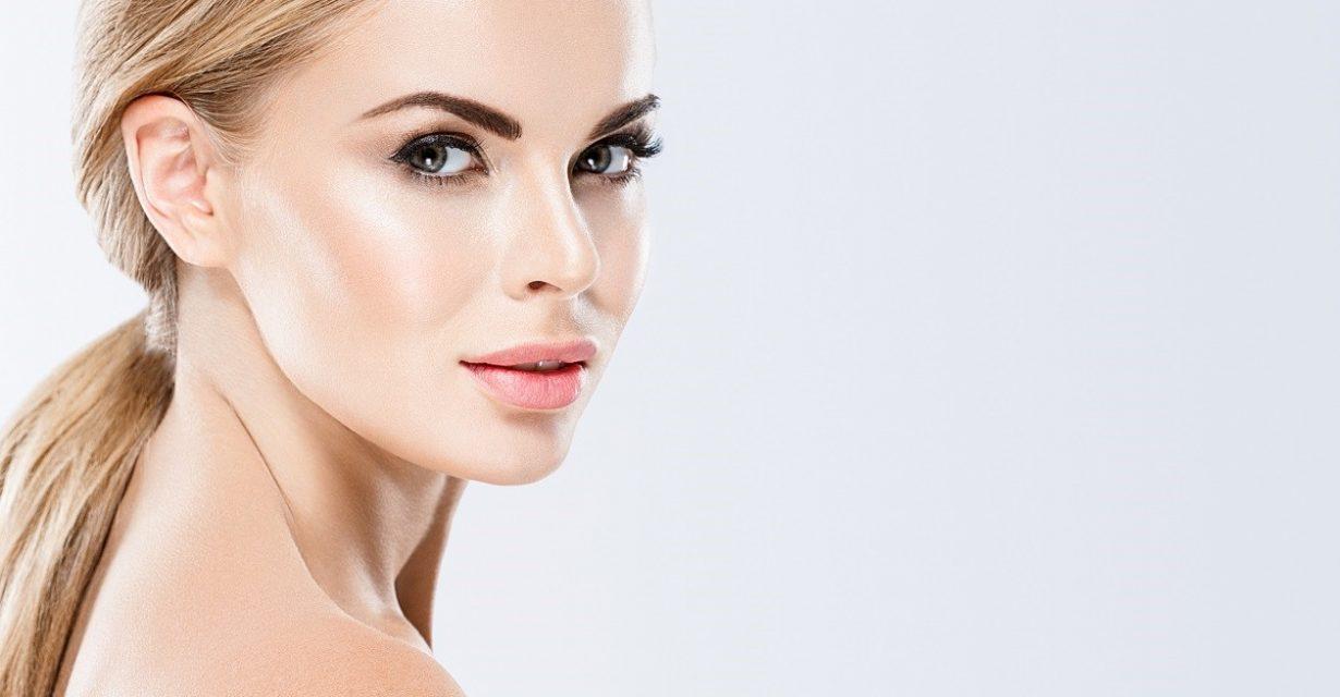 Lippen aufspritzen durch Hyaluronsäure | Dr. Kors Berlin